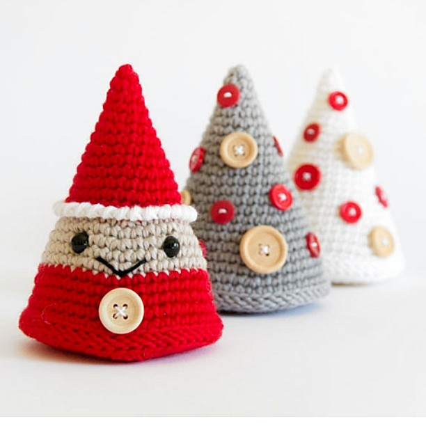 Crochet Santa Hat and Beard | Free Amigurumi Pattern - Tiny Curl ... | 612x612