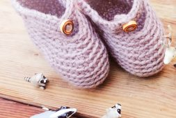 free-crochet-patterns-for-baby-items-for-new-year-2019